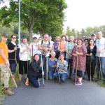 Die Suche in Froschhausen mit 22 Personen war erfolgreich: Es konnten ein Rehkitz gefunden und zwei aus den Wiesen verscheucht werden.