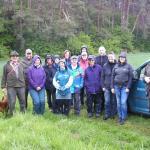 Auch ein paar Regentropfen konnten die gute Laune bei der Exkursion unter der Leitung von Jagdaufseher Will nicht verderben.